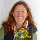 Chandra Easton_golden reindeer flowers_profile photojpg